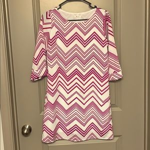 Everly dress w  pink & white chevron pattern sz S